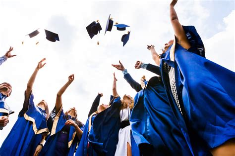Graduation Gift Ideas for Your High School Scholar