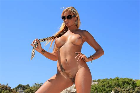 Porn Star Ashley Bulgari Posing On Nude Beach 1 Of 2