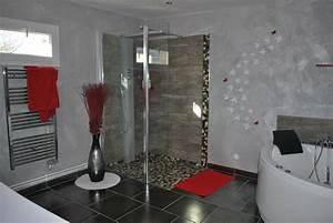 beautiful salle de bain gris et rouge photos awesome With deco salle de bain rouge