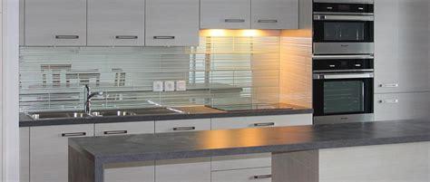 cuisine miroir miroir dans la cuisine a laplace de crédence ou carrelage