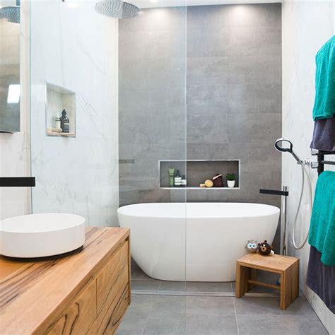 remove  bath  tile colours