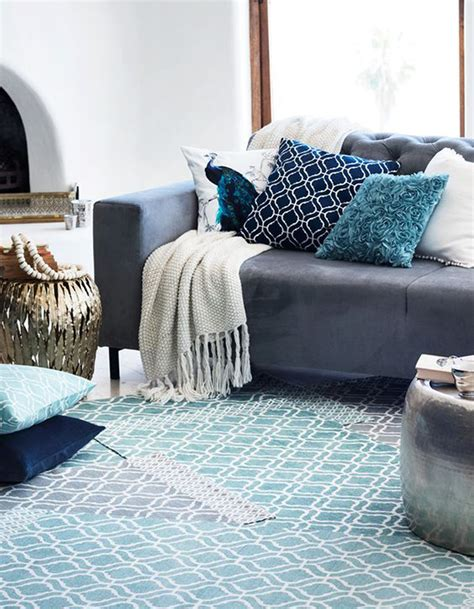 canapé deco revger com decoration salon avec canape gris idée