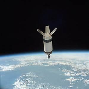 | mz02-space-blue-odyssey-shuttle-earth