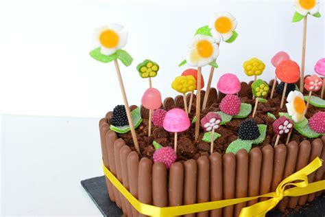 mon gateau de paques jardiniere au chocolat  bonbons