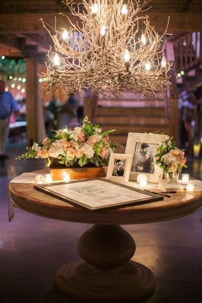 9 Unique Guestbook and Sign in Wedding Table Décor Ideas