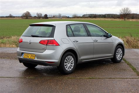volkswagen hatchback volkswagen golf hatchback 2013 photos parkers