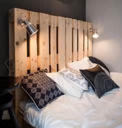 chambre à coucher rustique 14 idées de lit palette à fabriquer diy