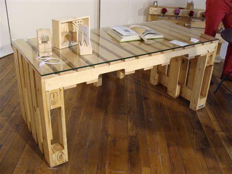 bureau palette bois fabriquer un banc en bois avec des palettes mzaol com