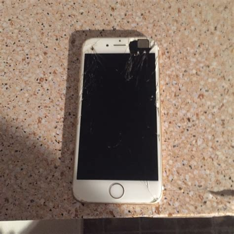 iphone 6 from t mobile letgo gold iphone 6 t mobile in stratford ct