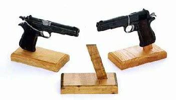 single pistol stand gsp