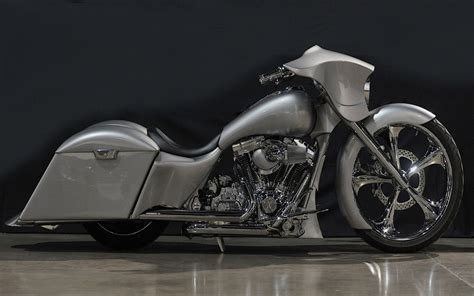 Harley Davidson Custom Bagger Bike Hd Wallpapers