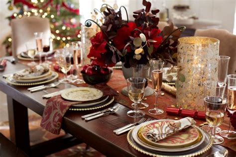 laying a christmas table how to lay a great christmas table