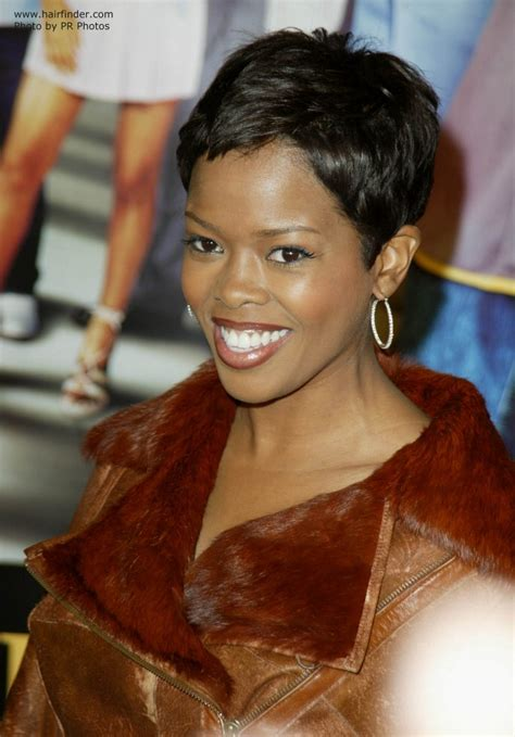 malinda williams wearing  hair   shag cut  super