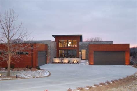 1 Story Modern House Plan
