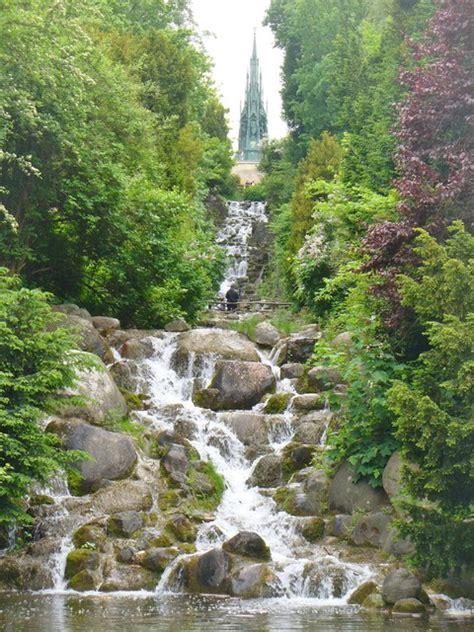 Britzer Garten Wasser by Wasserfall Im Viktoriapark Park Waterfall