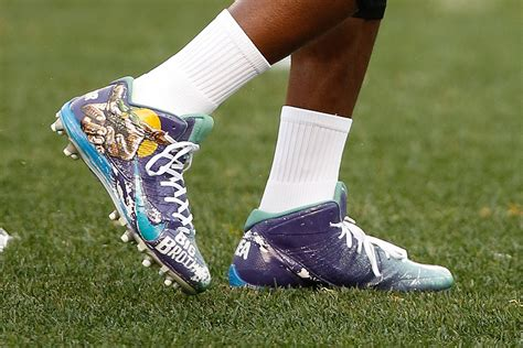 What NFL Players Will Have the Best Christmas Day Cleats ...