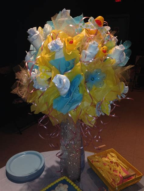 gorgeous  hand  diaper bouquet  cake table