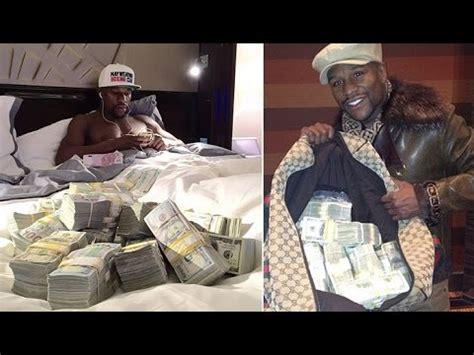mayweather money stack floyd mayweather s money stacks fight of the century