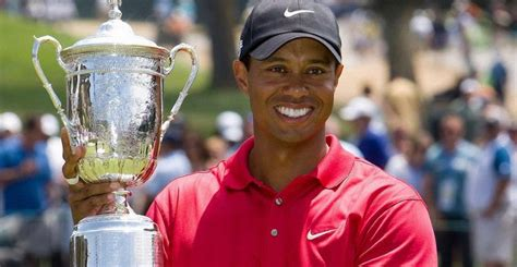 Tiger Woods Height, Weight, Measurements, Shoe Size, Wiki ...