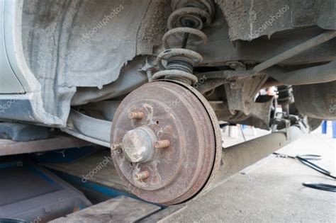 Rusty Rear Car Wheel Hub With Drum Brake System And