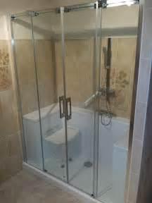 exemple de convertion salle de bain en douche pour senior