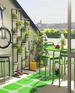 bodenbelag fur balkon 20 tolle beispiele With balkon teppich mit tapete industrial chic