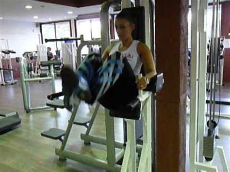 abdos chaise romaine exercice de musculation des abdos bas relevé de jambes