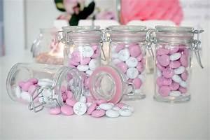 Gastgeschenke Hochzeit Personalisiert : boutonniere die ansteckblume f r den br utigam ~ Frokenaadalensverden.com Haus und Dekorationen