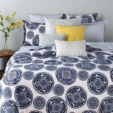 Robshaw Coverlet by Jr By Robshaw Bombay Bedding Bloomingdale S
