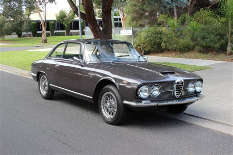 1965 Alfa Romeo by 1965 Alfa Romeo 2600 Photos Informations Articles
