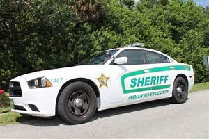 Sheriff's deputy accidentally shoots himself at Vero Beach ...