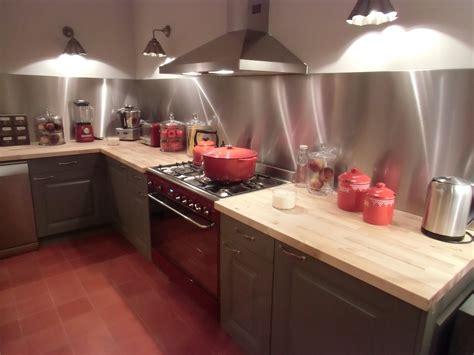 pose d une credence en inox comment poser une credence de cuisine maison design bahbe