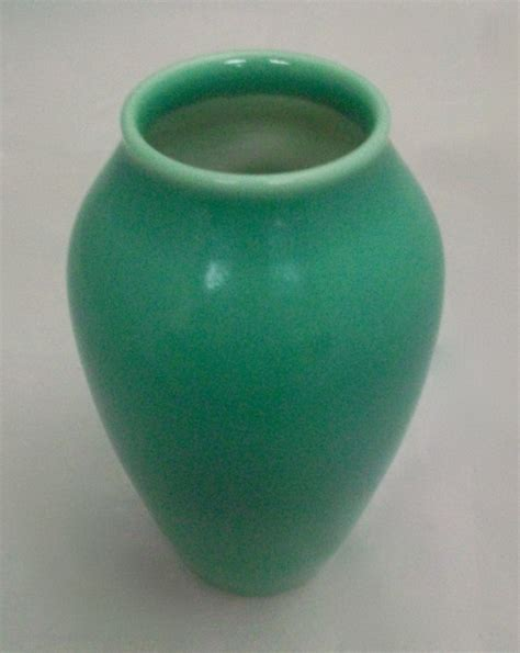 Green Vase by Rookwood Green Vase 913e For Sale Antiques Classifieds