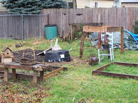 Self Sufficient Backyard - planning your backyard garden for a self sufficient lifestyle