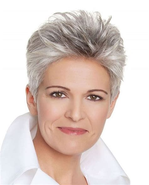 25 Easy Short Pixie & Bob Haircuts for Older Women Over 50