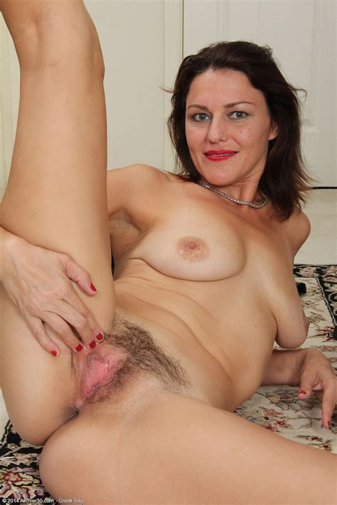 41 year old joana jakes exclusive milf pictures from