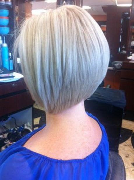 step by step guide on how to cut a short graduated bob
