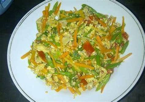 Tinggal tumis semua sayuran, bumbui simpel dengan bawang, garam, lada, dan siap disajikan. Resep Orak Arik Buncis Wortel oleh Rini Musriyah - Cookpad