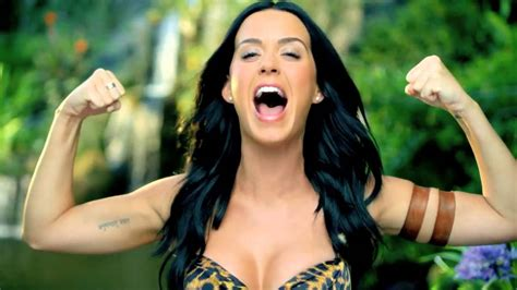 Royal Tailor Vs Katy Perry Roar