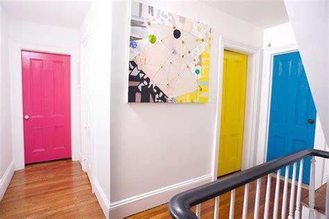 d oration porte de chambre idée déco chambre comment ajouter de la couleur