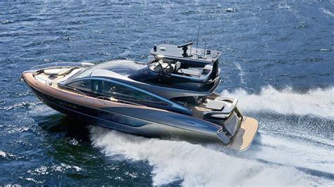lexus ly  yacht debuts    foot cruiser