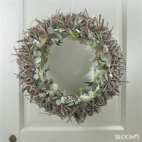 fruehlingskraenze  wreaths fruehlingskraenze kranz und