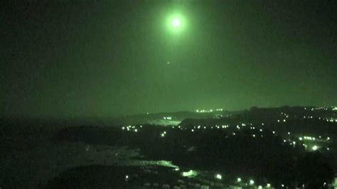 paisaje noche de luna llena en la costa del cantabrico