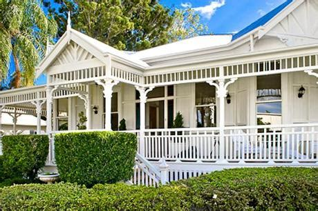 Una Fantastica Villa In Australia  Paperblog. Patio Furniture Stores Seattle Wa. Large Round Outside Tables. Cedar Patio Table Plans Free. Sam's Club Heritage Patio Furniture. Rattan Furniture Uk White. Patio Furniture For Sale In Ohio. Best Patio Furniture Under $500. Garden Ridge Wrought Iron Patio Furniture