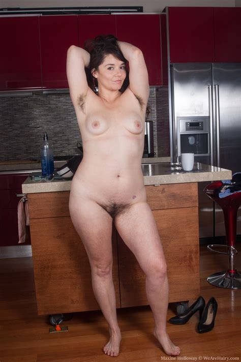 Hairy Girl Maxine Holloway Is So Sexy