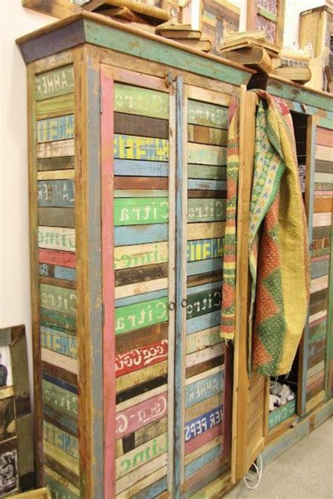 transformer une armoire en bureau l armoire ancienne pour votre demeure moderne