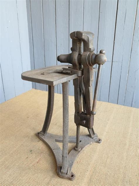 antique iron vice blacksmith metalsmith woodworking