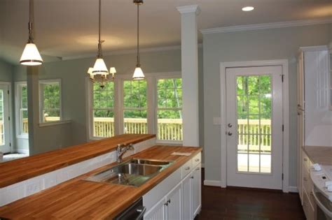 choosing kitchen cabinets 1000 images about paint colors on butcher 2187