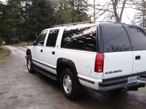 books about how cars work 1998 gmc suburban 2500 free book repair manuals find used 1998 gmc suburban sierra slt 4wd rust free owned very straight clean in