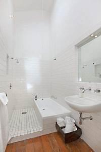 Baignoire Douche Italienne : douche italienne et baignoire dans une petite salle de bains salle d 39 eau bathroom wet room ~ Melissatoandfro.com Idées de Décoration
